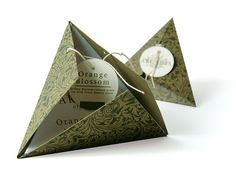 Arcadia organic tea. Not necessarily in a triangle shape, but interesting option as alternative to envelope/receipt.