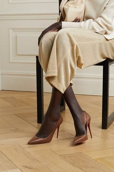 Christian Louboutin kate 100 leather pumps. #christianlouboutin #nudeshoes #pumps #heels Christian Louboutin, Louboutin Shoes, Shoes Heels, Leather Pumps, Tan Leather, Kate Moss, Net A Porter, Muse, Red Sole
