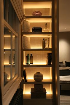 Our Top 20 Artwork and Display Lighting Ideas Display Cabinet Lighting, Bookshelf Lighting, Living Room Wall Units, Living Room Designs, House Extension Design, House Design, Home Lighting, Lighting Design, Luxury Home Decor