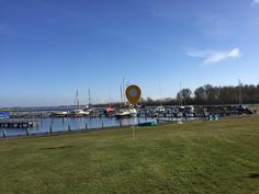 De Kuilart. Vakantie aan het water in Friesland. #campingfinder #camping #kamperen #campinglife #friesland #kuilart #vakantie #lente
