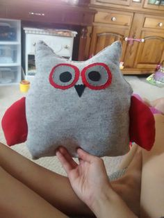 Front of owl made from onesie
