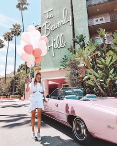 Weve rounded up 85 of the best locations to take photos in Los Angeles California for our Los Angeles photoguide. Exact coordinates are included so you can plug them into your smartphone and explore the city like a local. California Pictures, California Dreamin', Las Vegas, Photo Deco, Los Angeles Travel, Usa Tumblr, Beverly Hills Hotel, San Diego, Wanderlust Travel