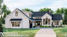 Architectural Design House Plans, Architecture Design, House Exterior Design, Home Styles Exterior, Stone Home Exteriors, Ranch House Exteriors, Exterior House Siding, Modern Farmhouse Exterior, Farmhouse Homes