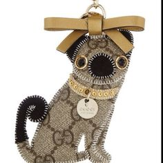 "Gucci pug keychain!.""# What's in my bag"""