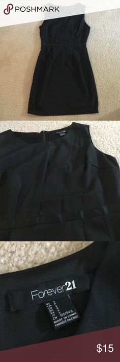 """F21 Dress Size small. Great for the office or for hitting the town. So flattering! Waist 14"""" across, 33"""" shoulder to hem. Smoke/pet free home. Forever 21 Dresses Mini"""