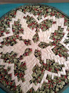Folded Christmas Star by Verna Lee Grant.  Pattern by DJ Richards Design.