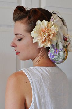 05.27.11 | 40s working girl hair by elegant musings, via Flickr