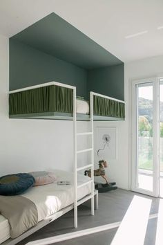 40 Fascinating Kids Bedroom Design Ideas For Your Kids - Your kid is a special human being to you and therefore you should ensure that your kids bedroom designs are also that much special. We all adore our k. Style At Home, Style Blog, Home Furniture, Furniture Design, Rustic Furniture, Bedroom Furniture, Casa Kids, Room Interior, Interior Design