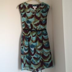 Ann Taylor Loft sundress Ann Taylor Loft patterned sundress with fitted waistband, slight cap sleeve and pockets. Quality like new! Great dress to wear casual with sandals or dress up for night. Ann Taylor Dresses Mini