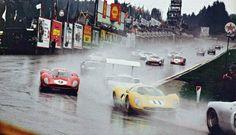 1967 Spa Mairesse-Beurlys et 330 P 4 Parkes-Scarfiotti et Sports Car Racing, F1 Racing, Race Cars, Vintage Racing, Vintage Cars, Vintage Auto, Le Mans, My Dream Car, Dream Cars