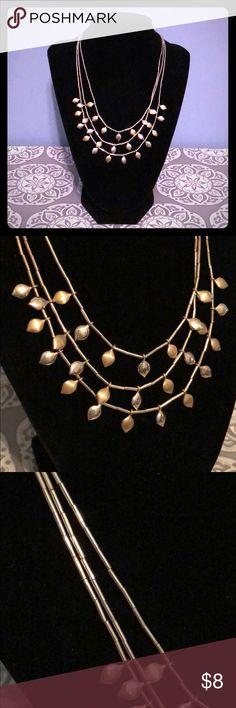 🆕NWT Adjustable Liz Claiborne Two-Toned Necklace NWT Liz Claiborne Two-Toned adjustable necklace. Never worn! Liz Claiborne Jewelry Necklaces