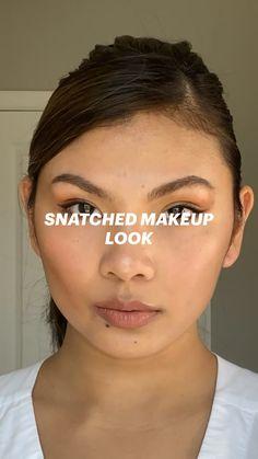 Pink Eye Makeup, Glowy Makeup, Face Contouring, Contouring And Highlighting, Natural Makeup Looks, Simple Makeup, Girl Wallpapers For Phone, Plumping Lip Gloss, Modeling Tips