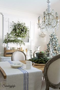 French Country Rustic Elegant Christmas Dining Room from Shabbyfufu. Come see how to DIY decorate with a French Country twist! : French Country Rustic Elegant Christmas Dining Room from Shabbyfufu. Come see how to DIY decorate with a French Country twist! French Country Christmas, Country Christmas Decorations, Shabby Chic Christmas, French Country Cottage, Country Farmhouse Decor, Elegant Christmas, French Country Style, Christmas Home, Rustic French