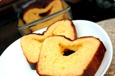 An easy pound cake. Cake Au Lait, Condensed Milk Desserts, Sweet Recipes, Cake Recipes, Easy Pound Cake, Plum Cake, Breakfast Cake, Baked Goods, Cake Decorating