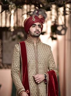 Check some heart touching groom wedding portraits that you can try on your wedding day. we present you with a beautiful collection of groom photos in this article Sherwani For Men Wedding, Wedding Dress Men, Wedding Groom, Wedding Men, Dream Wedding, Indian Bridal Sarees, Indian Bridal Fashion, Wedding Photography India, Groom Poses