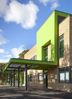 Mid-Sussex Special School / Re-Format Architects. Woodlands Meed Special School is a recently completed, million development designed by Re-Format. The two-storey school and nursery provides over 140 places for year olds Design Exterior, Facade Design, Building Exterior, Building Facade, Education Architecture, Facade Architecture, School Building Design, Building Designs, School Entrance