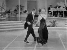 Fred Astaire and Ginger Rogers - Smoke Gets In Your Eyes (+afspeellijst) Tap Dance, Dance Art, Dance Moves, Dance Music, Fred Astaire, Gene Kelly, Shall We Dance, Lets Dance, Hollywood Stars