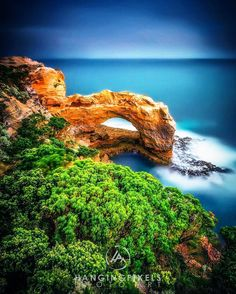 "The Arch Great Ocean Road  : Canon 1Ds MKII : Canon 17-40mm II f/4 : 60"" ISO500 ƒ/22 : LEE bigstopper  0.9S GND : VIC AU  #amazing_australia #australia #australiagram #bestofaustralia #exploreaustralia #ig_australia #iloveaustralia #seeaustralia  #worldbestshot #wow_australia #ausfeels #visitvictoria #rocks #ocean #stars #night #dusk #dawn #liveinvictoria #greatoceanroad #VisitGreatOceanRoad #sunrise #sunset #otways #canonaustralia #lochardgorge #12apostles #hello_bluey by…"