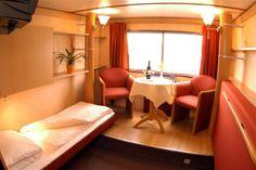 Rex Rheni. Slaapkamer aan boord van dit bijzonder motor passagiersschip.
