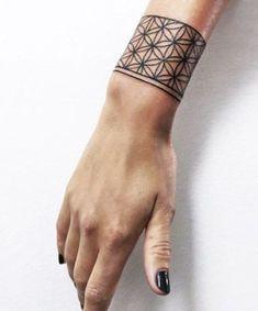 18 Henna Handgelenk Tattoos sind sehr süß tattoo old school tattoo arm tattoo tattoo tattoos tattoo antebrazo arm sleeve tattoo Irezumi Tattoos, Marquesan Tattoos, Henna Tattoos, Up Tattoos, Feather Tattoos, Sleeve Tattoos, Cool Tattoos, Tatoos, Tribal Tattoos