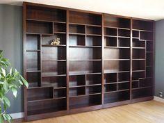 Jasmine Kwong (from SC)'s custom made bookshelf - I am so jealous!