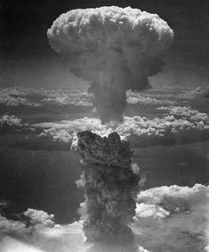 "Nagasaki Mushroom Cloud This is the picture of the ""mushroom cloud"" showing the enormous quantity of energy. The first atomic bomb was released on August 6 in Hiroshima (Japan) and killed about people. On August 9 another bomb was released above Nagasaki. Hiroshima E Nagasaki, Hiroshima Bombing, Atomic Bomb Hiroshima, Bomba Nuclear, Enola Gay, Mushroom Cloud, Giant Mushroom, Margaret Bourke White, Fukushima"