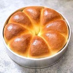 How to Bake a Level Cake {for cheap! Roti Bread, Bread Bun, Bread Cake, Bread Rolls, Easy Salad Recipes, Snack Recipes, Dessert Recipes, Cooking Recipes, Desserts