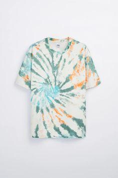Tie Dye Shirts, T Shirts, Printed Shirts, Tie Dye Fashion, Fashion Fabric, Boy Fashion, Batik Mode, Champion Clothing, Tie Dye Kit