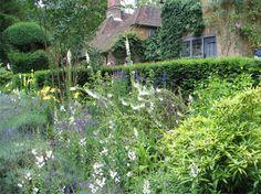 Munstead Wood: Gertrude Jekyll's home