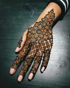 Henna Hand Designs, Mehndi Designs Finger, Indian Henna Designs, Modern Henna Designs, Floral Henna Designs, Latest Henna Designs, Simple Arabic Mehndi Designs, Stylish Mehndi Designs, Mehndi Designs For Girls