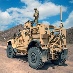Military Helicopter, Military Gear, Military Weapons, Military Equipment, Military Aircraft, Military Army, Army Vehicles, Armored Vehicles, Oshkosh M Atv