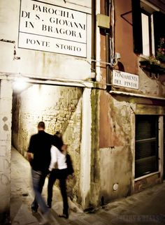 There's nothing better than walking the streets of Venice at night. Get lost in the winding streets that hide mystery behind every corner. >>> Have you been to Venice? Did you walk around at night?