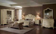 Do you want a classic luxury bedroom set for your room? Classic luxury Bedroom Set design for your bedroom is mandatory if you crave calm and comfort. Italian Furniture, French Furniture, Classic Furniture, Luxury Furniture, Small Room Bedroom, Home Decor Bedroom, Bedroom Furniture, Luxury Bedroom Sets, Luxurious Bedrooms