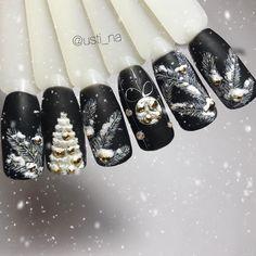 """#naildesign #nailart #christmasnailart Маникюр и дизайн ногтей (@usti_na) on Instagram: """"❄️ Какой бы фон подошёл еще к этим рисункам на ваш взгляд?) Обожаю черный """""""