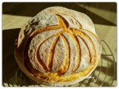 Kovászos kenyér éjjeli hűtős kelesztéssel | Betty hobbi konyhája Bread, Food, Breads, January, Eten, Bakeries, Meals, Diet