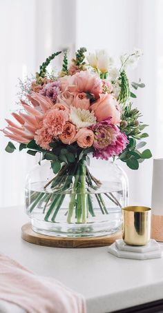 How To Design Your Home: 60 Best Decorating Ideas Fresh Flowers, Beautiful Flowers, Spring Flowers, Flower Power, Large Flower Arrangements, Spring Home Decor, Arte Floral, Design Your Home, Holiday Tables