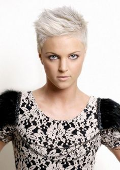 Many women turn to grey hair. Especially, women use this color with pixie cut. Super Short Hair, Short Hair Cuts, Pixie Cuts, Short Spiky Hairstyles, Cool Hairstyles, Hairstyle Ideas, 1940s Hairstyles, Short Pixie Haircuts, Updo Hairstyle
