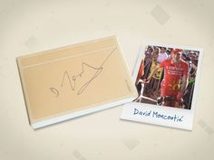 The signature of David Moncoutié on a box of usem note cards.