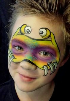 Cute face painting idea for boys facepaint by deborah lane,  gepind door www.hierishetfeest.com