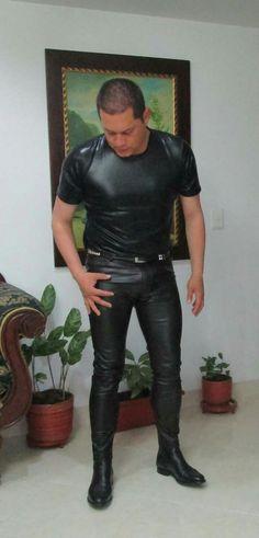 Mens Leather Pants, Tight Leather Pants, Cop Uniform, Men In Uniform, Comfy Pants, Jeans Pants, Leather Fashion, Mens Fashion, Suit Shirts