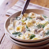 crock pot creamy tortellini soup. Perfect for fall =)