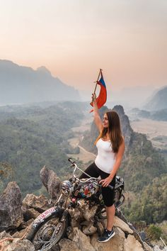 Read this Vang Vieng Travel Guide to find all the best things to do in Vang Vieng including tips about where to stay and how to get there. Free map included! #laos #vangvieng #southeastasia #travelguide   Top things to do in Vang Vieng   What to do in Vang Vieng   Blue Lagoon Vang Vieng   Tubing Vang Vieng   Nam Xay Viewpoint in Vang Vieng   Best places to visit in Laos   Laos Bucket List   Where to stay in Vang Vieng   How to get to Vang Vieng   Best time to visit Vang Vieng