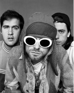 Kurt Cobain Tattoo, Kurt Cobain Photos, Morrison Hotel, Local Bands, 90s Grunge, Nirvana, Music Artists, Find Image, Round Sunglasses