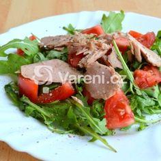 Fotografie receptu: Salát s rukolou, tuňákem a rajčaty