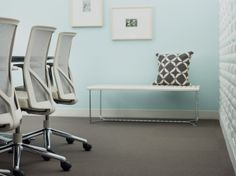 izzy+ NeoCon 2014 // Product shown: Forum Bench, Nikko conference chairs. #neocon14