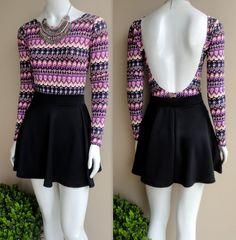 body-estampado-tribal-preto-pink-mangas-longas-maiô-mio-deocte-costas-saia-preta-rodada