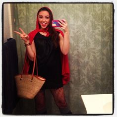 Red Riding Hood: Watch out for the big, bad wolf this Halloween. What you need to do: Throw on a red cape, carry a basket, and you have your Red Riding Hood costume! Easy Halloween Costumes For Women, Easy Diy Costumes, Homemade Halloween Costumes, Halloween Diy, Costume Ideas, Vintage Halloween, Black Dress Halloween Costume, Halloween 2018, Make Your Own Costume