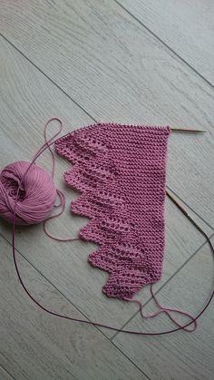 Ravelry: Lautermaschen & # s Ladylike # 2 - knit and crochet . - Ravelry: Lautermaschen & # s Ladylike # 2 – knit and chop - Knitting Kits, Lace Knitting, Crochet Shawl, Knitting Stitches, Knitting Patterns Free, Knitting Projects, Knit Crochet, Crochet Patterns, Free Crochet