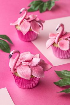 Muffiny Flamingi (Flamingo-Cupcakes) - Cupcakes to make - Cake-Kuchen-Gateau Flamingo Cupcakes, Flamingo Party, Flamingo Birthday, Tropical Cupcakes, Girl Birthday, Cupcakes Design, Cake Designs, Cupcakes Decorating, Decorating Tools