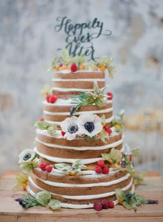 15 wedding cakes we adore: http://www.stylemepretty.com/2014/08/07/15-wedding-cakes-we-adore/ | Photography: http://martalocklear.4ormat.com/